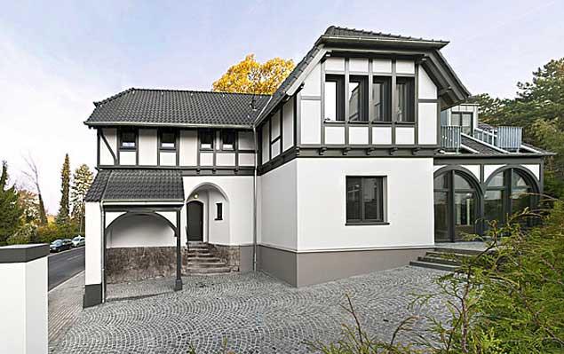 UMBAU EINFAMILIENHAUS IN DÜSSELDORF - GRAFENBERG